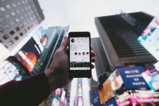 Instagram Kini Bisa Terjemahkan Teks di Stories